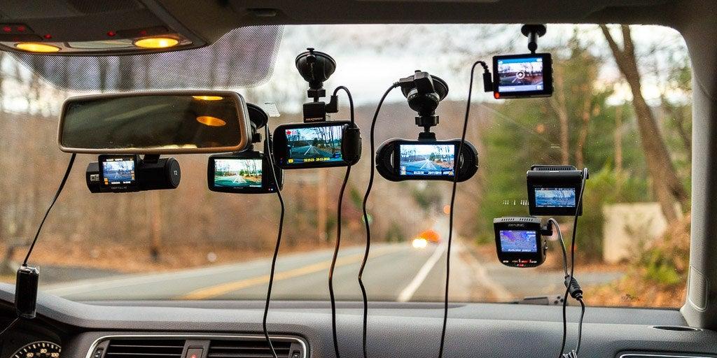 Kamera samochodowa z trybem parkingowym